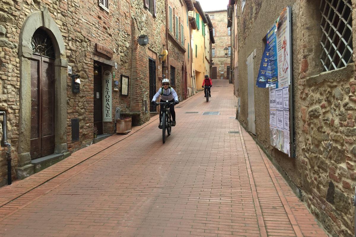 Escursioni in Mountain Bike - Agriturismo il Poderaccio Alto